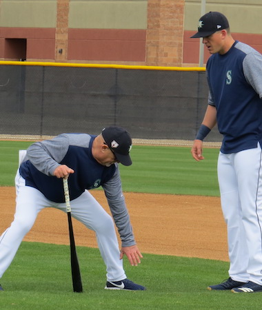 Perry Hill teaching first base backhands