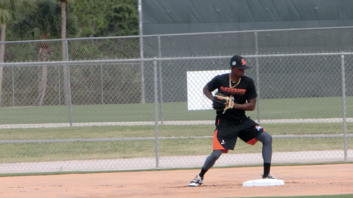 2B double play turn feed between shoulders featured image