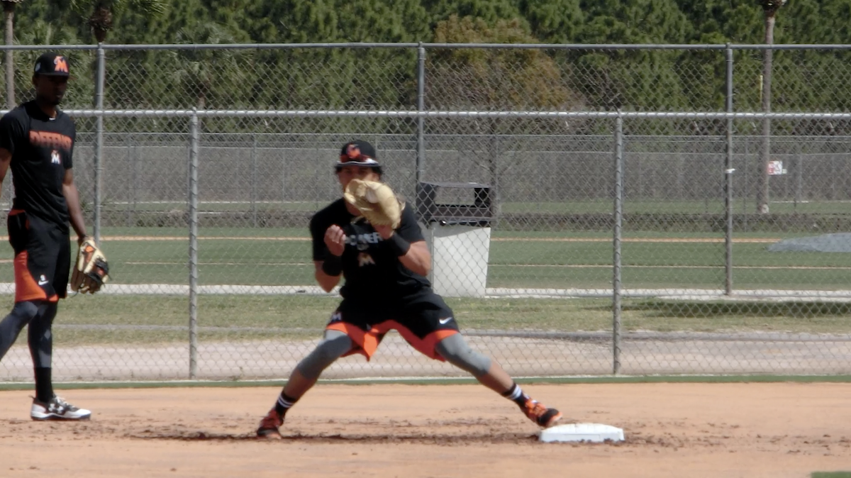 2B double play turn feed outside right shoulder featured image